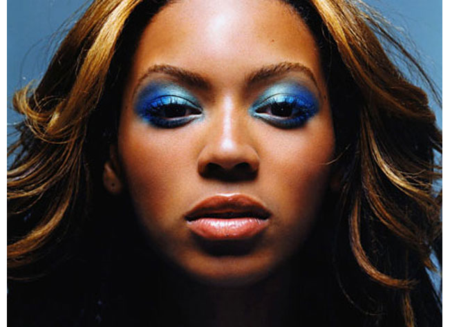 afrosomething-article-300017fullsizeimagebeyonce-face-blue-eyeshadowjpgx